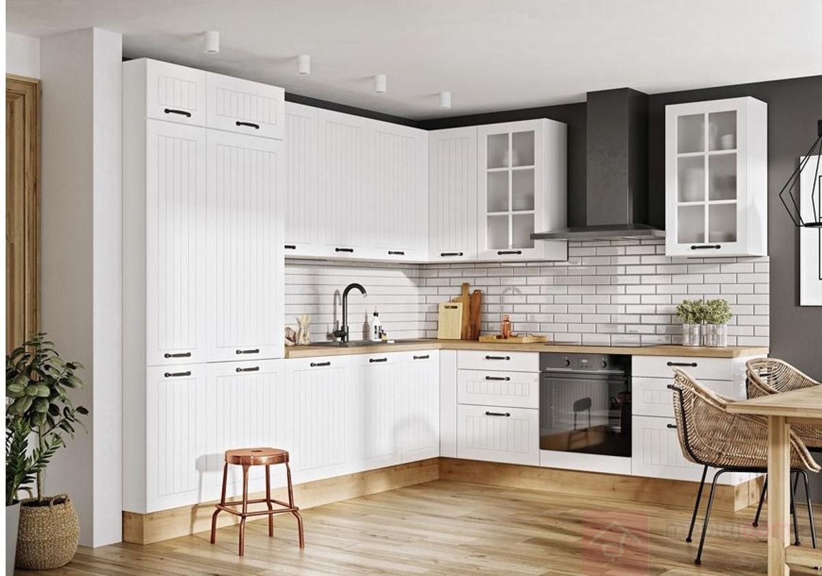 Biała klasyczna kuchnia