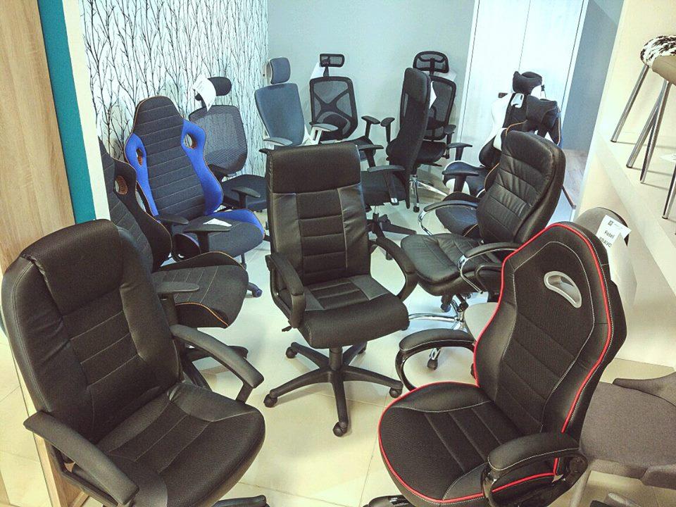 Aktualna ekspozycja foteli biurowych w naszym salonie
