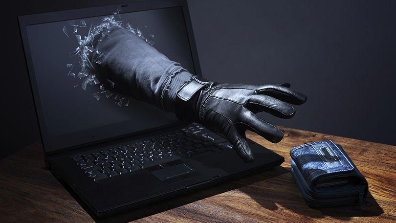 Jak rozpoznać fałszywy, fejkowy sklep online? Uważaj na BAKUSAWA.com, Xamak10.com i inne