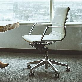 Wszystkie fotele obrotowe w każdym wariancie - od ergonomicznych dla prostych pleców, przez prezesowskie gabinetówki do kubełkowych